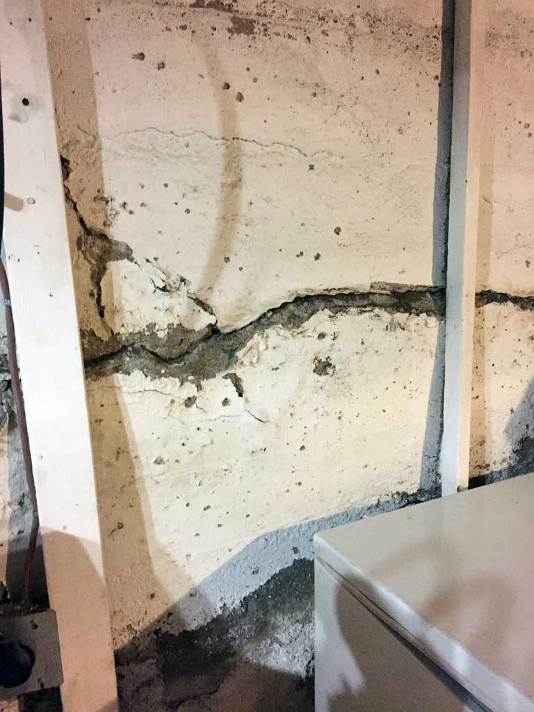 Moose Jaw Foundation Inspection Horizontal Crack